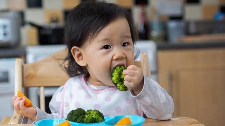 赤ちゃんの手づかみ食べで困ること