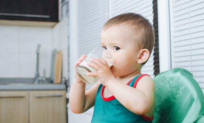 赤ちゃんに牛乳を飲ませるときに知っておきたいこと いつから 注意点