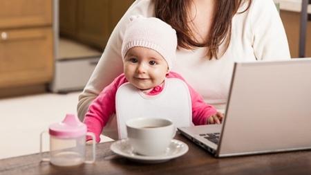 赤ちゃんの周辺に熱いものを置かない