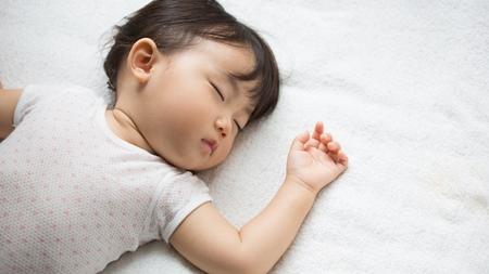 赤ちゃんの昼寝はいつまで必要?