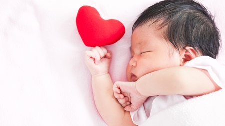 赤ちゃんの昼寝で注意したいポイントとは?