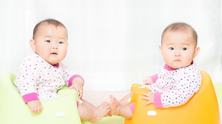 双子育児は大変?