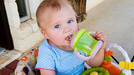赤ちゃんの水分補給について