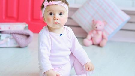 赤ちゃんがシャフリングする原因とは?