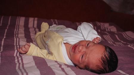 赤ちゃんの呼吸が睡眠中に荒くなる場合