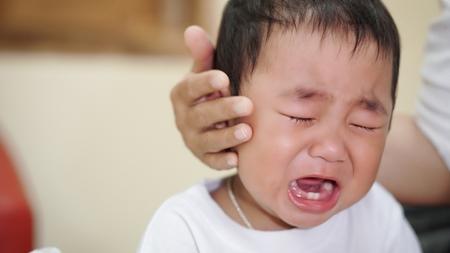 赤ちゃんの夜泣きについて