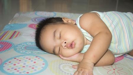 離乳期・幼児期の赤ちゃんの太りすぎ・肥満予防について