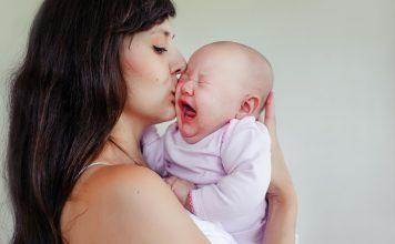 赤ちゃんのあやし方について知っておきたいこと コツ 方法 どんな時 月齢 対処方法 注意点 など