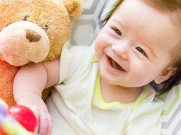 赤ちゃんとの遊び方(新生児~1歳)で知っておきたいこと どんな遊び方?方法 注意 など