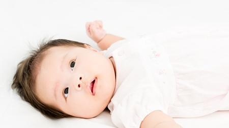 生後1ヵ月から2ヶ月目の赤ちゃんの発達