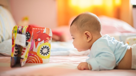 生後3ヶ月から5ヶ月の赤ちゃんの様子