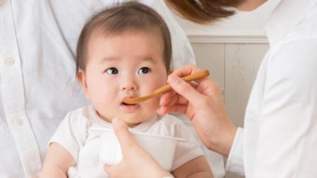 離乳前の赤ちゃんに対する水分補給