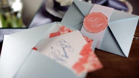 結婚式の招待状が届いたら確認したいこと