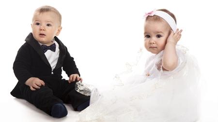 いつから赤ちゃん連れで結婚式に出られるの?