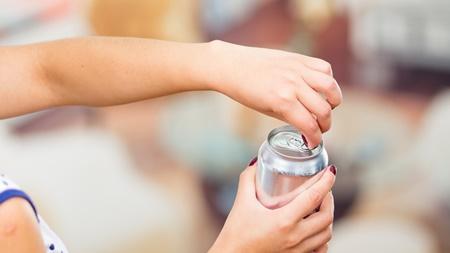 授乳中にアルコールを飲んだ場合の対処法について
