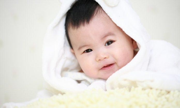 赤ちゃんの眉毛の悩みやお手入れの仕方などについて知っておきたいこと