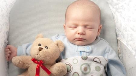 生後1ヶ月~3ヶ月の赤ちゃん