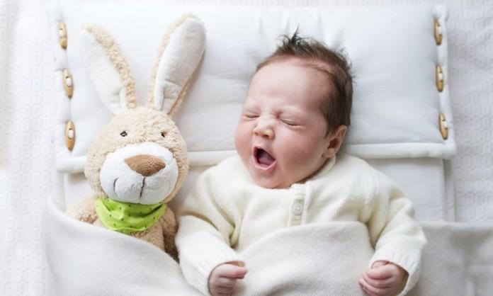 赤ちゃんの睡眠時間について知っておきたいこと