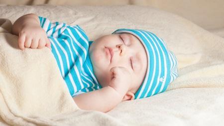 生後3ヶ月~6ヶ月の赤ちゃん
