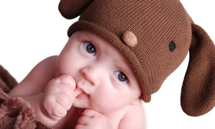 赤ちゃんの指しゃぶりついて知っておきたいこと