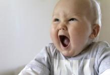 赤ちゃんの奇声について知っておきたいこと