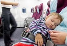 赤ちゃんと飛行機に乗る前に知っておきたいこと
