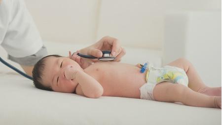 赤ちゃんの散歩は一ヵ月健診後から?