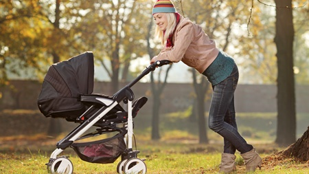 赤ちゃんとの散歩を始めるタイミングについて