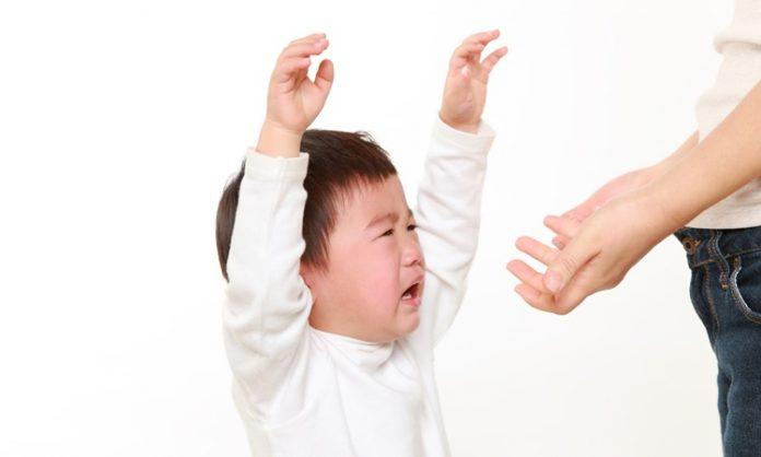 赤ちゃんが叩くときに知っておきたいこと 症状 原因 対処方法 予防方法 など