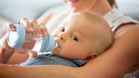 赤ちゃんに湯冷ましは必要なの?