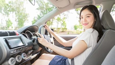 産後に車を運転する際の注意点について