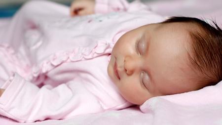 赤ちゃんの寝言泣きの特徴とは?