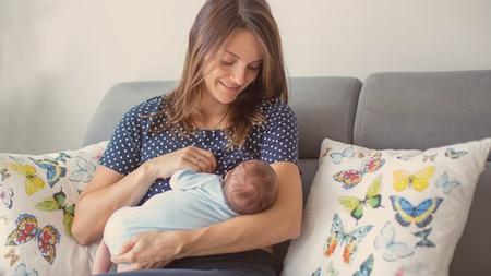 新生児のお世話は体力勝負