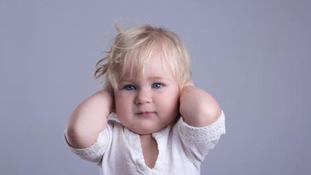 高熱でもないのに、泣いて寝付けない様子の時は中耳炎かもしれません
