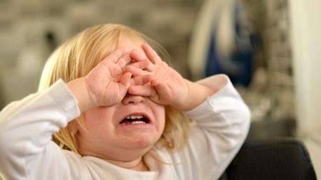 1歳8ヶ月 寝ない 夜泣き 夜中 起きる