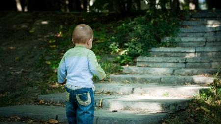 1歳8ヶ月 歩く 歩かない