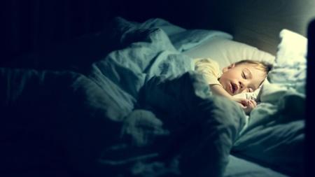 寝ているときに反り返りがすごい 脳性麻痺や自閉症が心配
